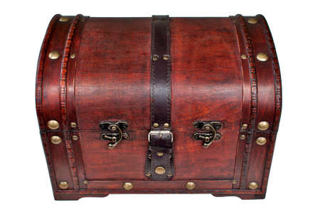 mit: H�lzerne Schatzkiste, verschlossen mit goldenen Nieten  Wooden treasure chest, locked, with gold studs