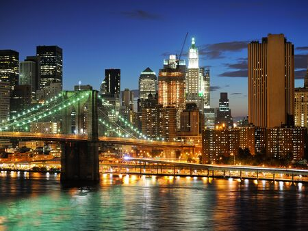 New york city Brooklyn bridge - downtown at night Banco de Imagens - 9316763