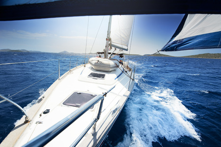 sailing on Yacht at sunny day Foto de archivo