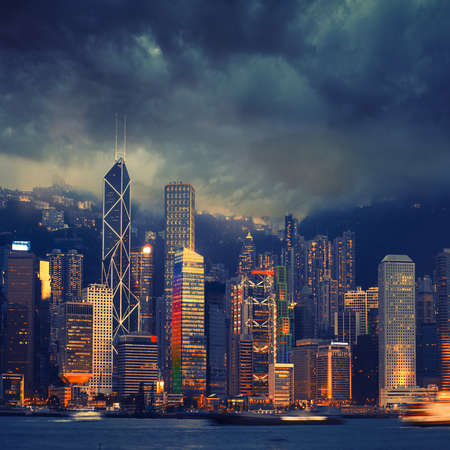 Hong Kong cityscape in stormy weather - amazing atmosphere 免版税图像