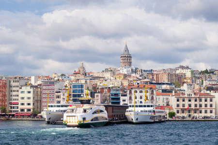 Berth tourist boat on the Bosphorus, Istanbul, Turkey. Zdjęcie Seryjne