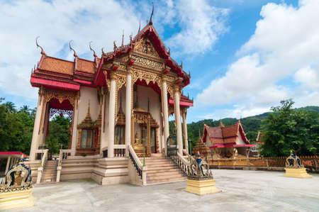 Wat Suwan Khiri Wong Temple landmark in Phuket. Imagens