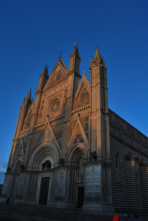 Orvieto cathedral at night