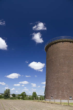 wody wieży: Water tower on a clear day