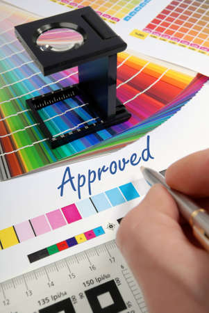 Approved - Characteristic image for the pre-press and printing industry. 版權商用圖片 - 3315692