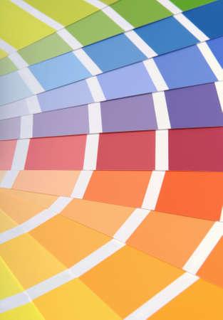 Verschiedene Farben sortiert Proben für die Wand malen.