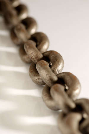 catena: Old weathered industrial steel chain