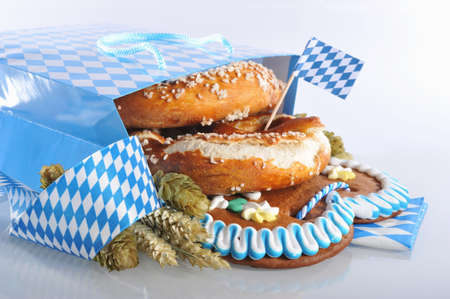 gingerbread heart: Bavarian Oktoberfest paper shopping bag with gingerbread heart soft, pretzel, hops and wheat