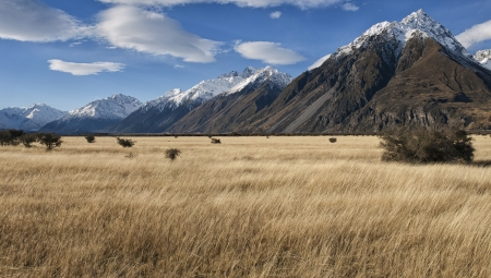 Mountain landscape, near Mount Cook, South Island, New Zealand Stock Photo - 15829701