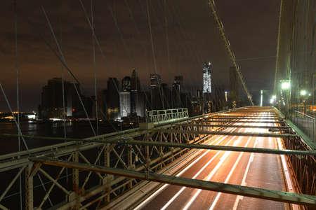 ロウアー ・ マンハッタンのブルックリン橋から停電ハリケーン「サンディ」の結果として、次の表示 写真素材