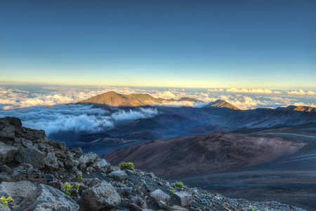 ferien: Caldera of the Haleakala volcano  Maui, Hawaii  at sunset