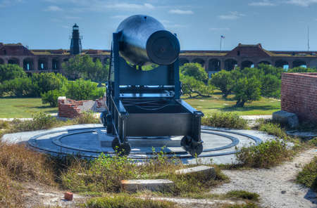 dry tortugas: Cannon in Fort Jefferson at the Dry Tortugas National Park, Florida