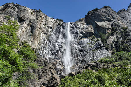 bridalveil fall: Bridalveil Fall in Yosemite National Park. One of the most prominent waterfalls in the Yosemite Valley in California