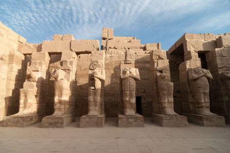 Ruinas del antiguo templo de Karnak en Luxor, Egipto, África. Foto de archivo - 31350896