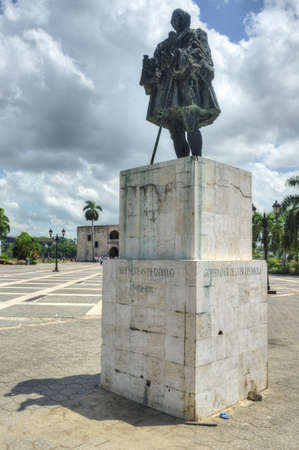 santo domingo: Statue of Nicolas de Ovando in Plaza Espana and Alcazar de Colon in Santo Domingo, Caribbean Editorial