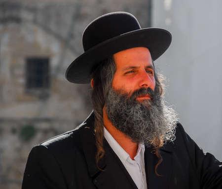 tora: JERUSALEM -JANUARY 18, 2007: Orthodox Jewish Man by the Western Wall in Jerusalem, Israel. Editorial