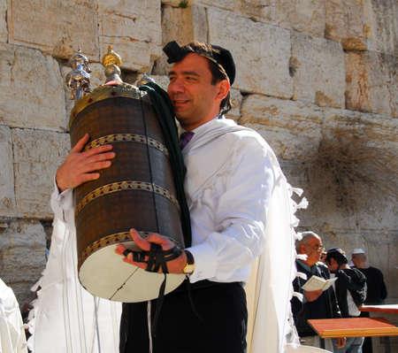 エルサレム - 2007 年 1 月 18 日: エルサレム、イスラエル共和国の (西部の) 嘆きの壁棒 Mitzvah 神事。