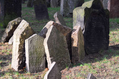 Headstones in the Jewish cemetery, Prague, Czech Republic 版權商用圖片