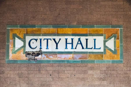 terra cotta: New York, USA - May 30, 2015: City Hall Subway Station in Manhattan. Landmark station built in 1904 to inaugurate the NYC Subway system. Editorial