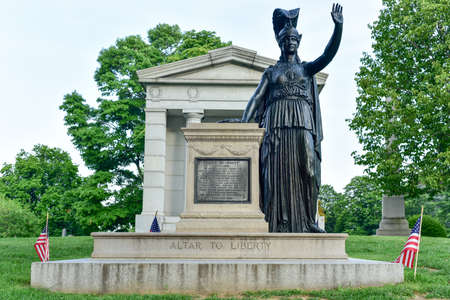 long island: Minerva and the Altar to Liberty stand on a Revolutionary battlefield on Long Island on Battle Hill in Greenwood Cemetery, Brooklyn, NY. Editorial