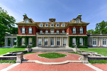 fitzgerald: Long Island Gold Coast Mansion at Old Westbury Gardens