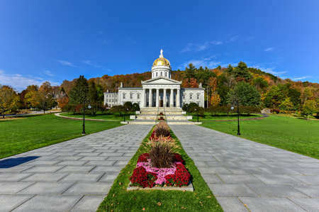 revival: The State Capitol Building in Montpelier Vermont, USA. The current Greek Revival structure is the third building on the same site to be used as the State House. It was occupied in 1859. Editorial