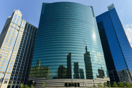 magnificent mile: Chicago, Illinois - September 5, 2015: 333 West Wacker Drive is a highrise office building in Chicago, Illinois. On the Chicago River side, the building features a curved green glass facade. Editorial
