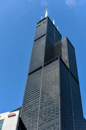 sears: Chicago, Illinois - September 5, 2015: The Willis Tower (still commonly referred to as, Sears Tower) is a 108-story, 1,451-foot (442 m) in Chicago.