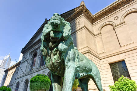chicago: Lion statue in front of The Art Institute Of Chicago
