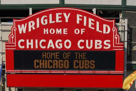 Chicago - 11 Juin 2007: le stade de baseball Wrigley Field est Accueil des Cubs de Chicago depuis 1916. Il peut siéger 41019. Banque d'images - 48265945
