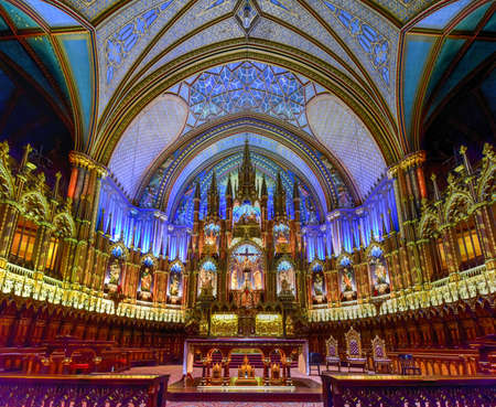 revere: Montreal Notre-Dame Basilica in Montreal, Quebec, Canada.  Notre-Dame Basilica (French: Basilique Notre-Dame de Montreal).