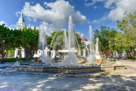Lion Fountain in Plaza Las Delicias, the main square in Ponce, Puerto Rico. Standard-Bild