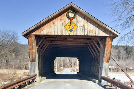 covered bridge: Depot Covered Bridge in Pittsford, Vermont Stock Photo