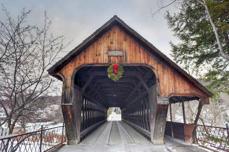covered bridge: Middle Covered Bridge in Woodstock, Vermont.