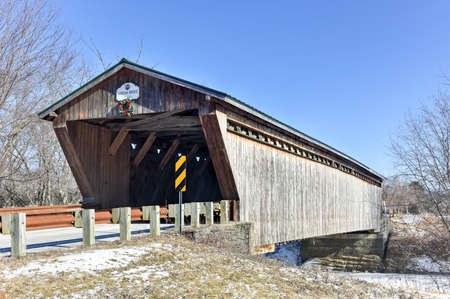 covered bridge: GorhamGoodnough Covered Bridge in Pittsford, Vermont Stock Photo