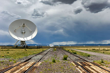 The Karl G. Jansky Very Large Array (VLA) is a radio astronomy observatory located on the Plains of San Agustin in New Mexico. 에디토리얼
