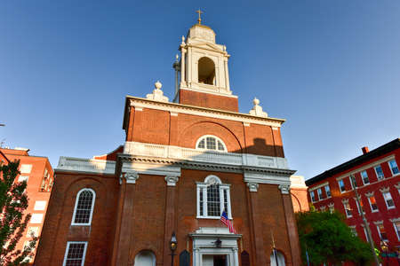 north end: St. Stephens Church, formerly the New North Church, is a Roman Catholic church located at 401 Hanover Street in the North End of Boston, Massachusetts. Stock Photo