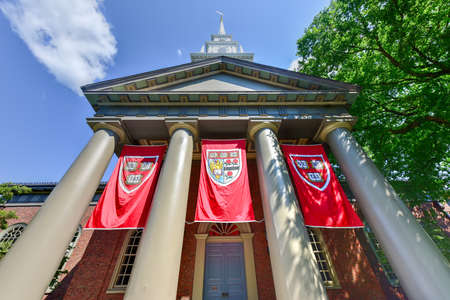 Memorial Church at Harvard University campus in Cambridge, Massachusetts 新聞圖片