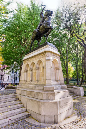 patriotic martyr: Joan of Arc Memorial in Riverside Park, Manhattan, New York.  The bronze equestrian sculpture is of the 15th century French patriot and martyr Joan of Arc. Stock Photo