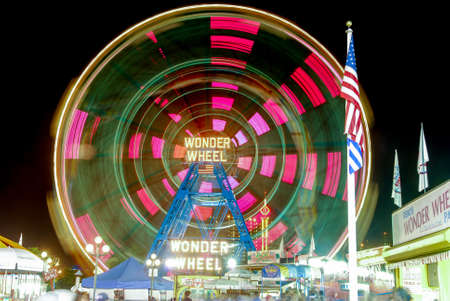 Wonder Wheel: Coney Islands Luna Park in Brooklyn, New York.