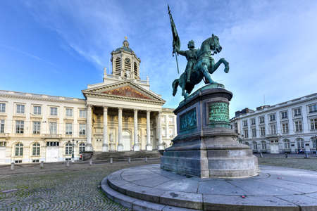 Godfrey of Bouillon statue and Church of Saint Jacques-sur-Coudenberg in Royal Square, Brussels, Belgium. Stock Photo