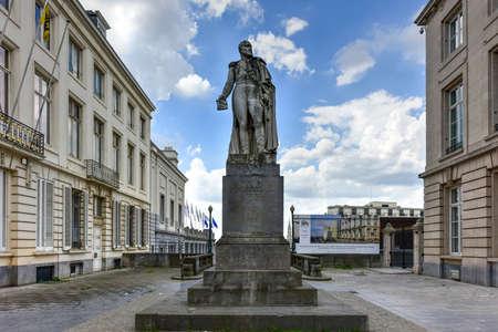Statue d'Augustin Daniel Belliard, comte Belliard et de l'Empire qui était un général français sous Napoléon. À Bruxelles, en Belgique. Banque d'images - 80585742