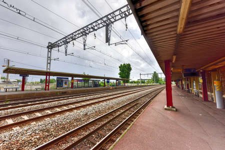 commune: Train station in Villeneuve-le-Roi, a commune in the southern suburbs of Paris, France.