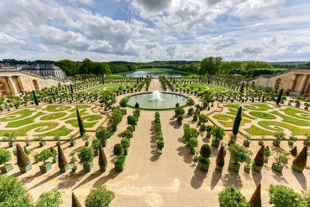 Le célèbre palais de versailles en france Banque d'images - 80874231