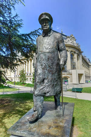 statesman: Statue of Winston Churchill outside the Petit Palais near the Seine River, Paris, France