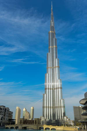 Dubai, UAE - November 24, 2012: The Burj Khalifa the highest tower in the world in Dubai, United Arab Emirates 新聞圖片