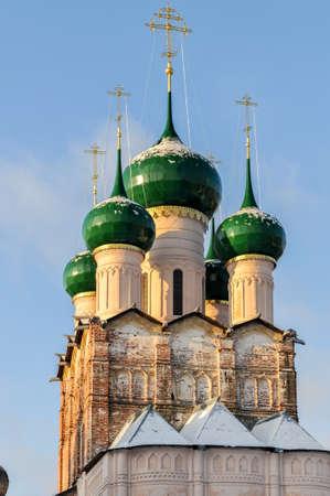 러시아 정교회 로스토프, 모스크바 외부의 황금 반지 함께 크렘린에서.