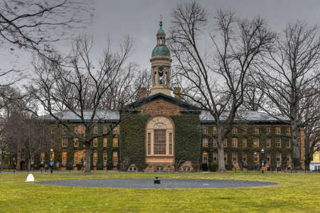 Nassau Hall, a national landmark in Princeton University. Nassau Hall (or Old Nassau) is the oldest building at Princeton University in Princeton, Mercer County, New Jersey, United States. 写真素材