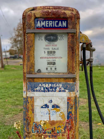 Classic Vintage Old Time Gas Pump Face, a bit worn out. Stock Photo - 115089834