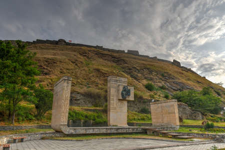 Gori Fortress (Goris Tsikhe), a medieval citadel in Georgia, standing above the city of Gori on a rocky hill. 新聞圖片